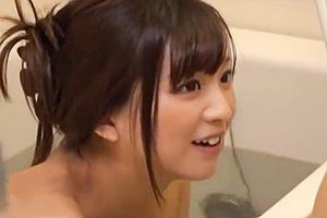 弟の成長したチンポを見たくてしょうがない姉が風呂に乱入してきた…