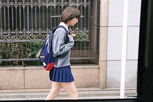 勇気を振り絞って街でタイプの女子校生をナンパ!まさかのパイパンとか…もうドストライク過ぎw