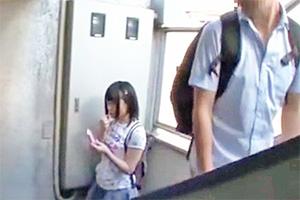 【これはヤバい】一人でいるところを狙われた幼気な女の子。この後メチャクチャ犯される。。。