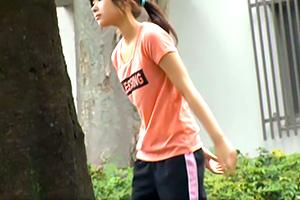 ジョギング中の少女を公衆便所に連れ込んで卑劣レイプ!