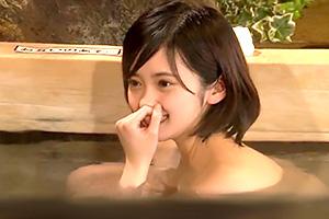 箱根温泉で見つけたお嬢さん タオル一枚男湯入ってみませんか?