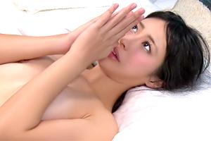 【マジックミラー号】疲れたカラダのケアと称して可愛い彼女を寝取る!