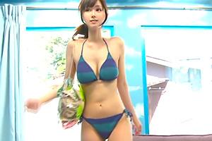 【マジックミラー号】「童貞の人のお手伝いと聞いて…」ビーチでナンパした超絶美人!