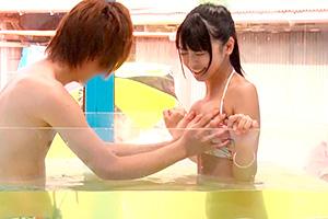 【マジックミラー号】「恥ずかしいです…」イケメンと移動式温泉で混浴エッチ!