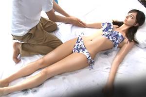 【マジックミラー号】スレンダーで完璧スタイルのハーフ美少女を寝取って中出し!