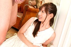 明里つむぎ 雪白美肌のスレンダー美少女が恥じらいのAVデビュー!