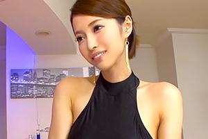 君島みお VIP会員相手にセクシードレスで誘惑するゴージャス美女